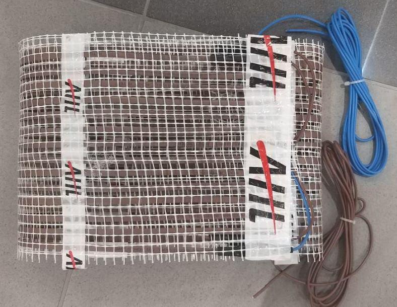 Теплый пол AHT Comby (нагревательный мат 1,1 м Х 0,5/2 м (0,55 кв. м) ~150Вт/м²)