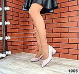 Черные, красные, пудровые элегантные замшевые туфли на каблуке, фото 3