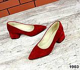 Черные, красные, пудровые элегантные замшевые туфли на каблуке, фото 5