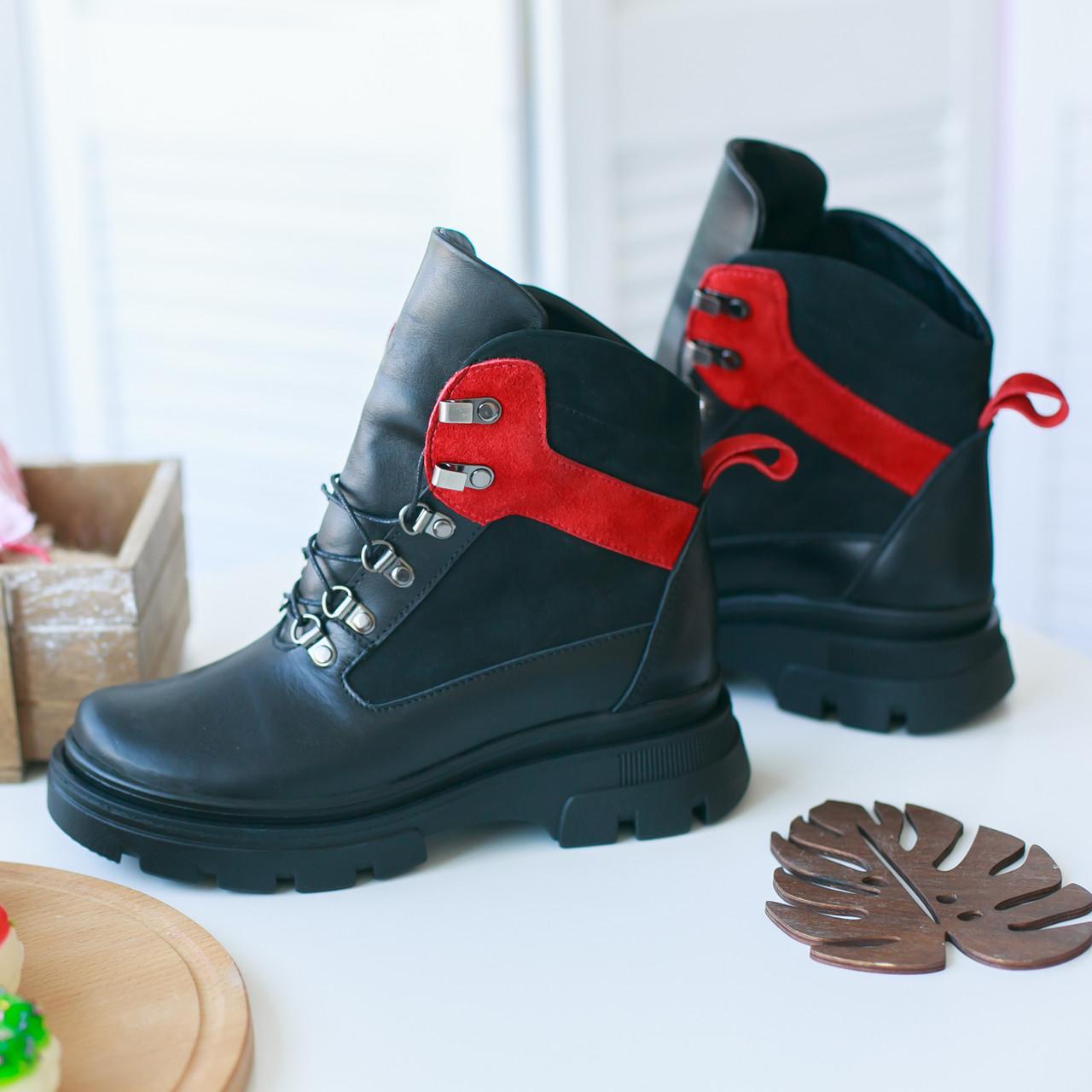 Жіночі черевики з натуральних матеріалів