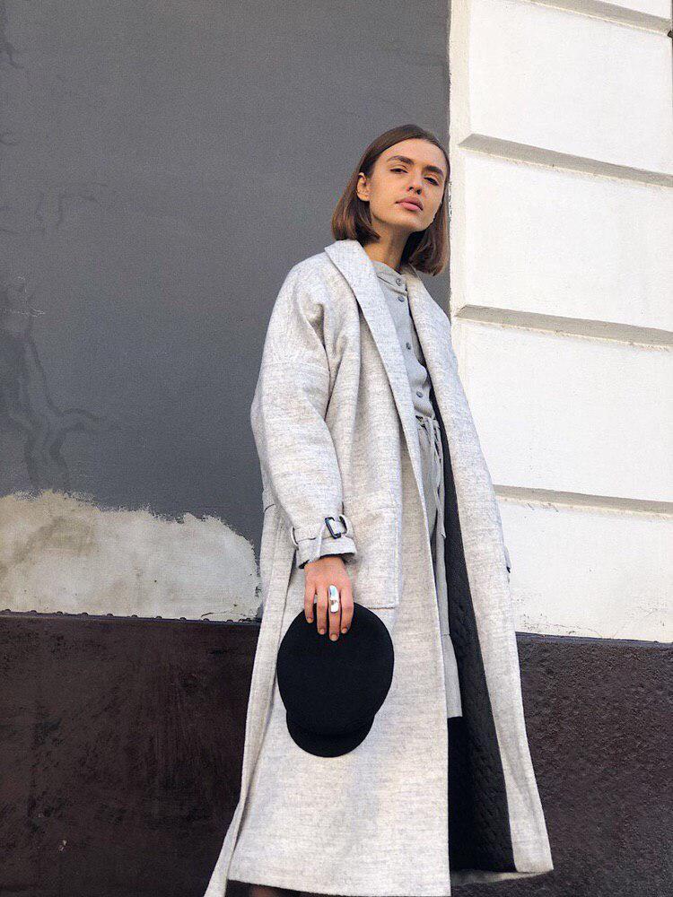 Пальто светло-серое шерстяное