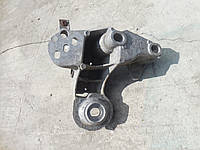 Кронштейн двигателяAudi A4 B5, A6 C5, 4B0199352B