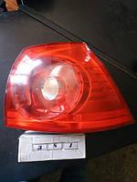 №381 Б/у фонарь задний ПРАВИЙ 1K6945096e для Volkswagen Golf V 2004-2009