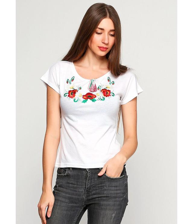Жіноча вишита футболк