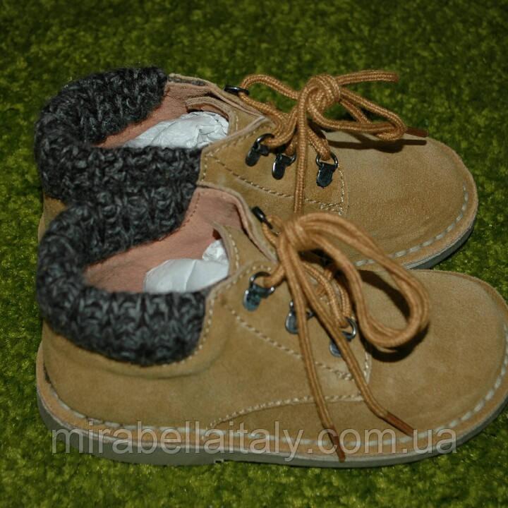 Замшевые ботинки демисезон 27 размер.Италия