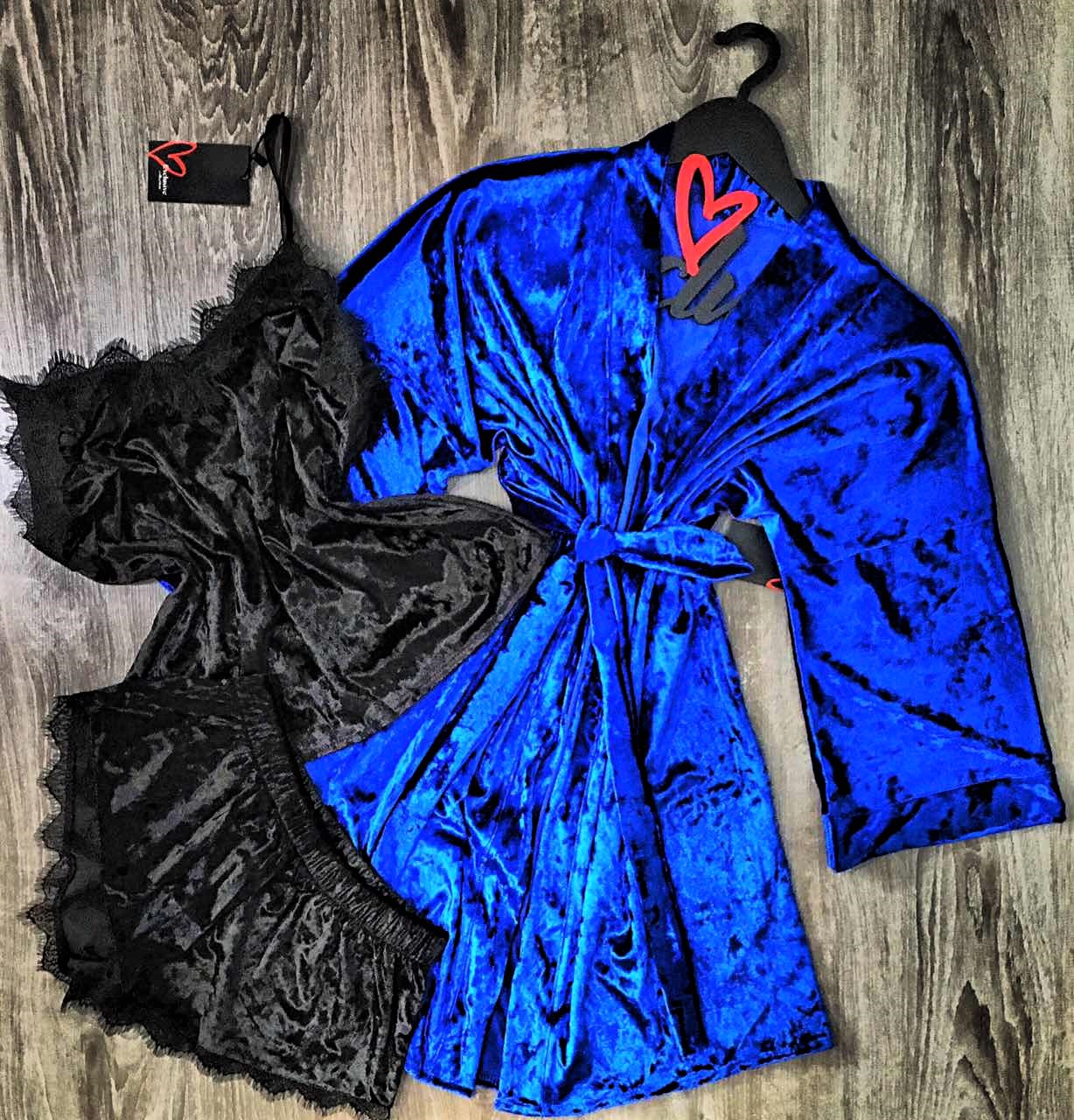 Велюровый халат+пижама( майка и шорты)-комплект.