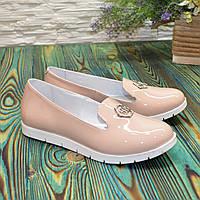 Женские лаковые туфли на утолщенной подошве, цвет бежевый. 37 размер