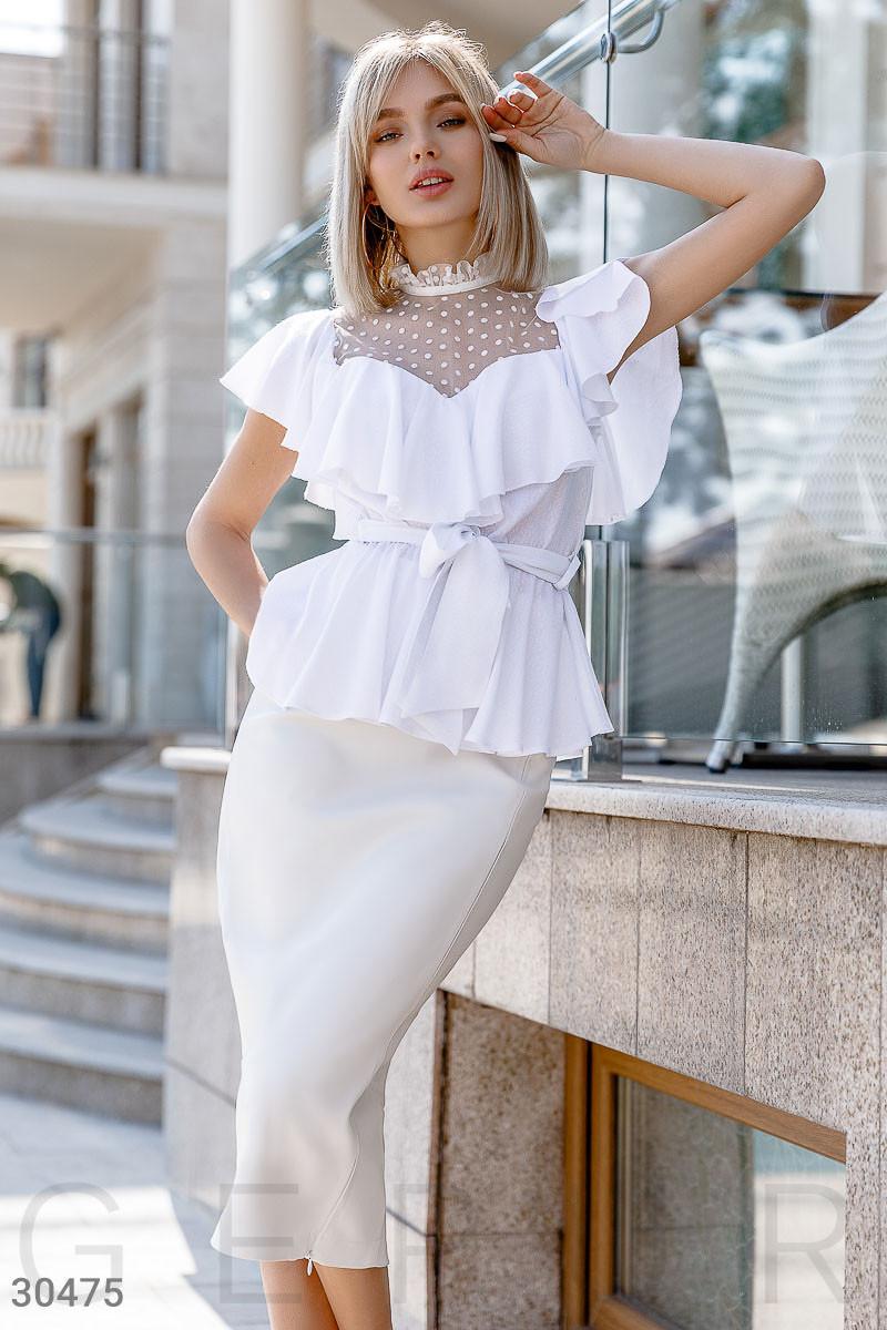 Легкая женская блуза с воланом и прозрачной кокеткой белая