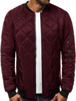 Куртка чоловіча стьобана Ромбик бордового кольору з кишенею на рукаві, фото 2