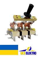 Разъединитель РЕ19-43-322100 1600А трехполюсный заднего присоединения шин с центральной рукояткой ип