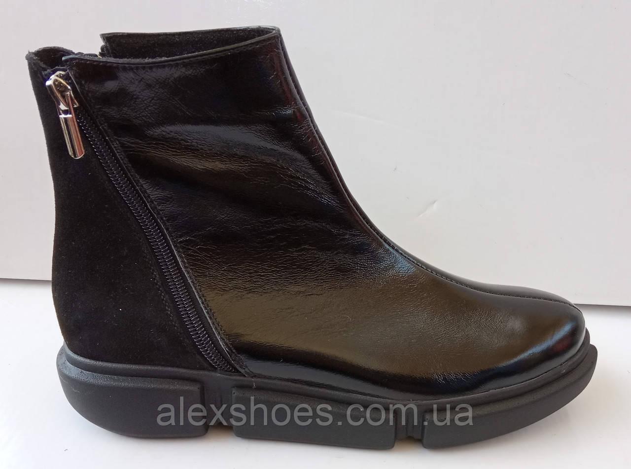 Ботинки демисезонные на толстой подошве из натуральной кожи и замши от производителя модель ДИС532