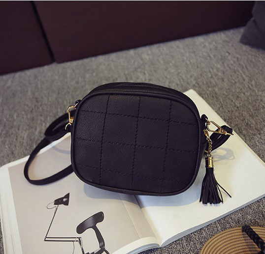 Женская маленькая сумочка через плечо из экокожи черная,уценка!
