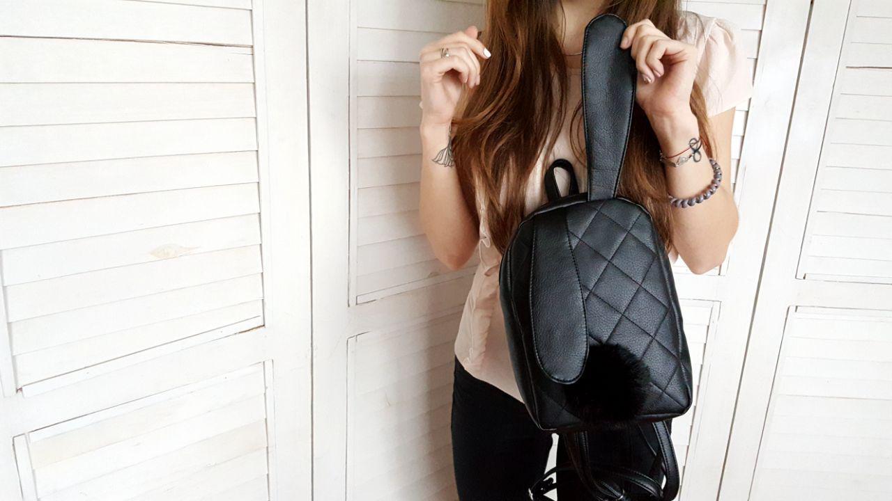 Женский черный рюкзак с ушками из экокожи E018