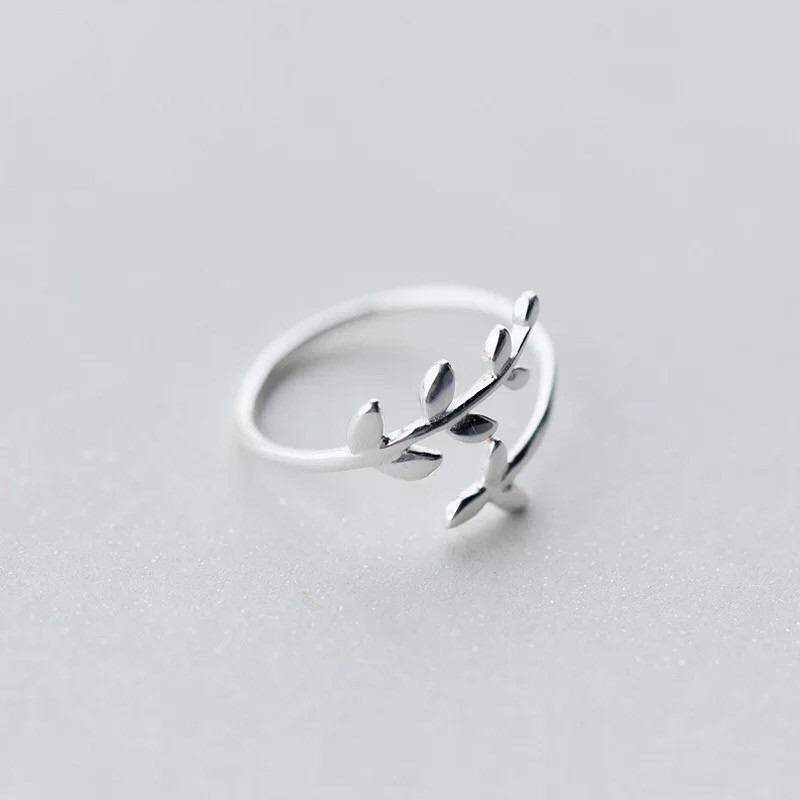 """Серебряное кольцо """"Прикосновение природы"""""""