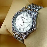 Женские наручные часы Michael Kors A152-1 серебряного цвета с серебристым циферблатом металлическом браслете