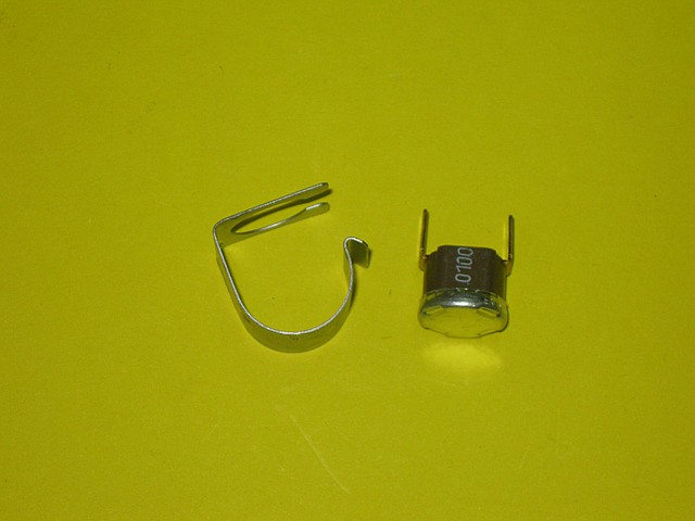 Термостат (датчик) перегрева 100С 39805650 Ferroli Domicompact