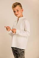 Вышитая рубашка для мальчика с геометрическим узором белая
