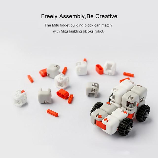 Конструктор игрушка-антистресс Xiaomi Bunny Fingertips Blocks ZJM01IQI (игрушка, кубик, конструктор)