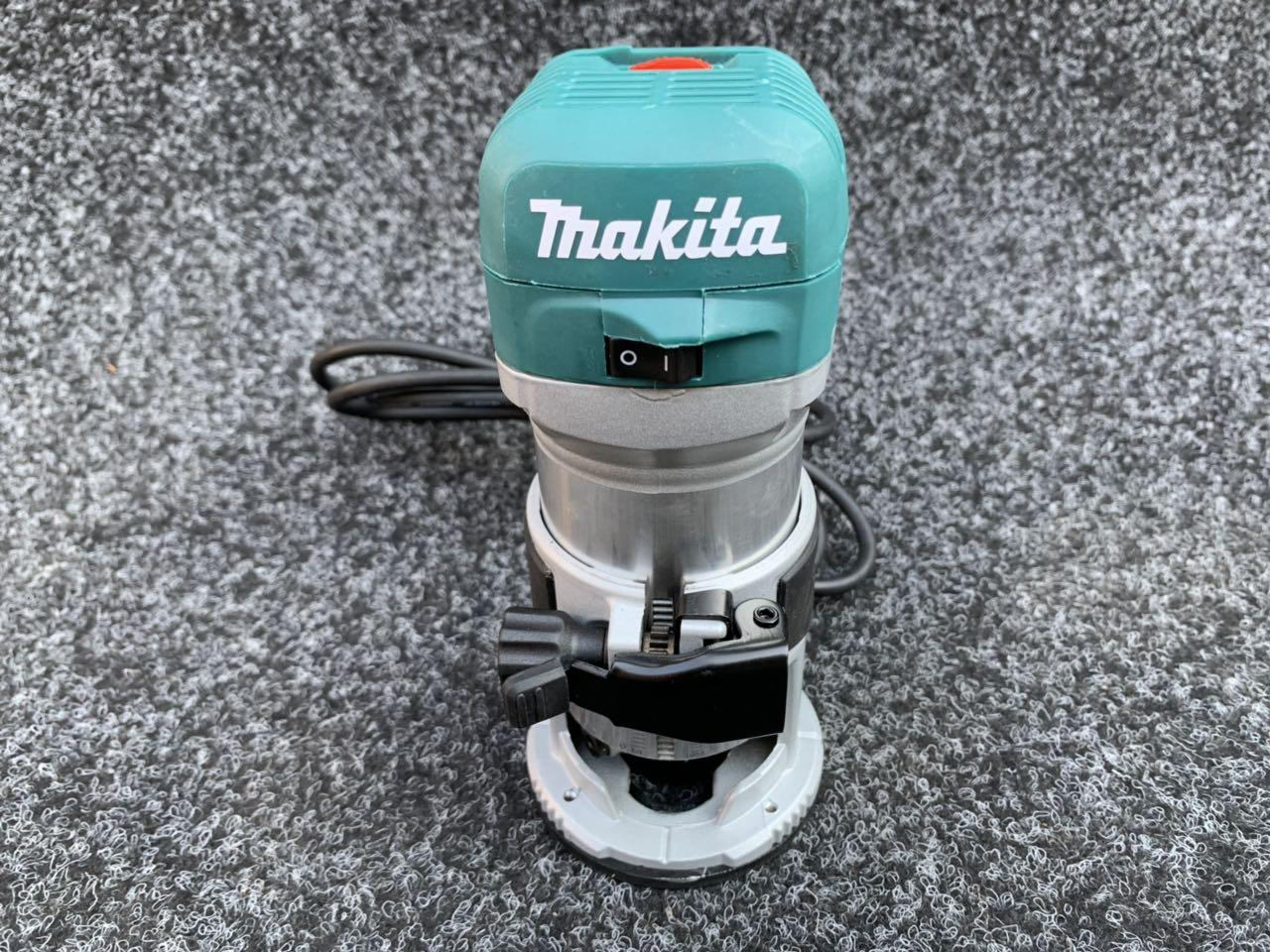 Фрезер Makita RT 0700 C 6-8 мм