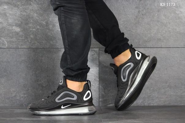 Мужские кроссовки Nike Air Max 720 (черные)