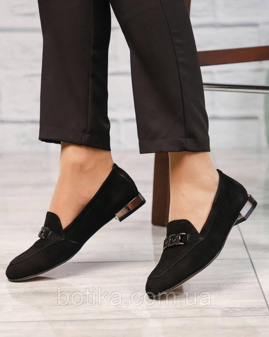 Шикарные замшевые туфли лоферы с декором