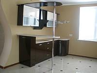 Компактный кухонный набор с барной