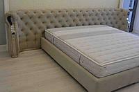 Кровать с драпированной спинкой