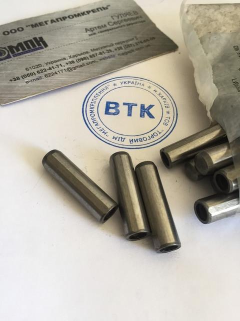DIN 7979 Штифт цилиндрический с внутренней резьбой без покрытия