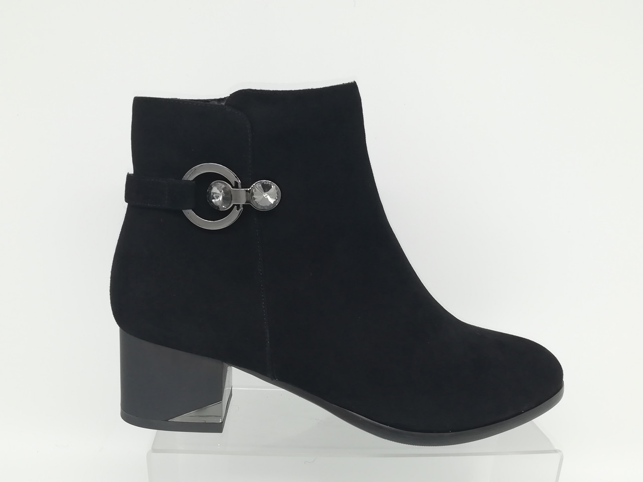 Черные замшевые ботиночки. Ботильоны. Большие размеры ( 41 - 43).