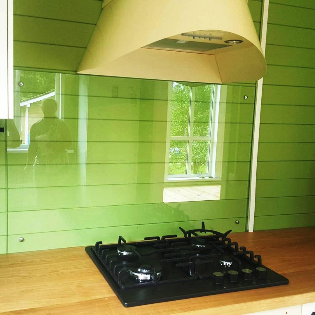 Прозрачный фартук для кухни