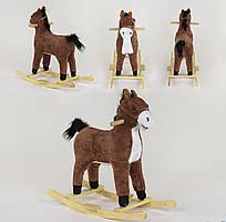 Качалка-конячка, зі світловими і звуковими ефектами