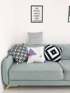 Декоративные подушки велюровые с принтами
