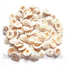 Бусины - ракушки (размер 1-1,5 см )в упаковке 40-45 г