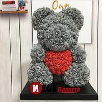 Мишка из роз Teddy Rose серый с красным сердцем (40см) в коробке подарок