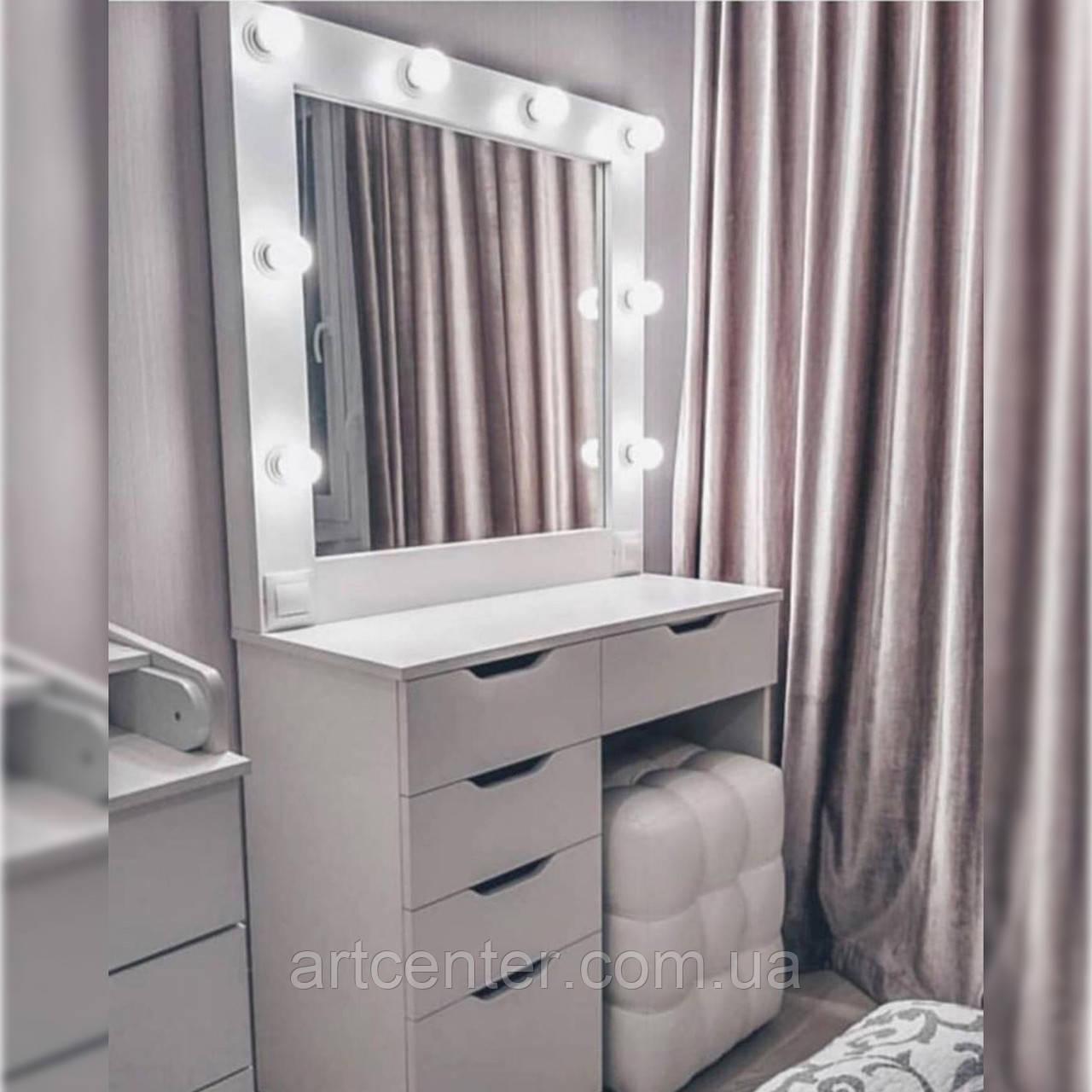 Столик для макияжа в спальню  белого цвета