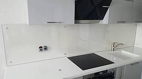 Кухонный фартук из прозрачного стекла - установка в Днепре 1