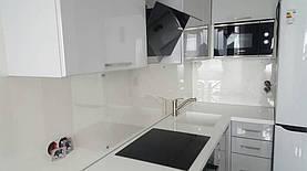 Кухонный фартук из прозрачного стекла - установка в Днепре 2