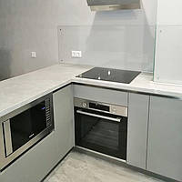 Прозрачный фартук - установка на кухне в Днепре 3