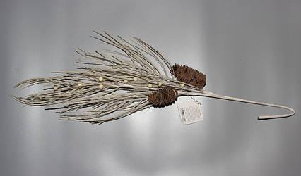 Заснеженная ветка с шишками, 40 см (770243)