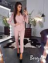 Женский брючный костюм с блузой на запах и зауженными брюками 66ks189E, фото 4