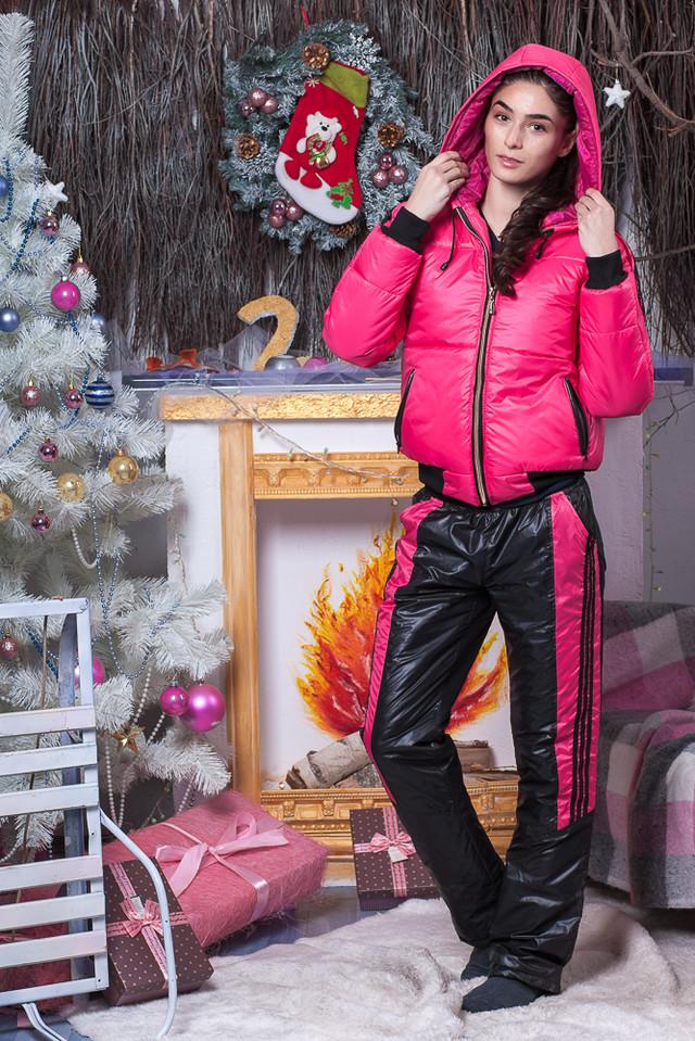 Коралловый женский костюм зима