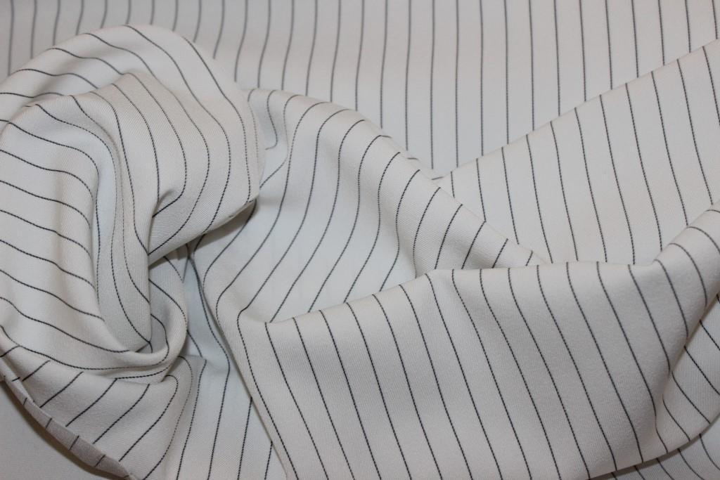 Ткань костюмная полоса белый цвет  № 402 (осень не плотная, не стрейч), фото 1