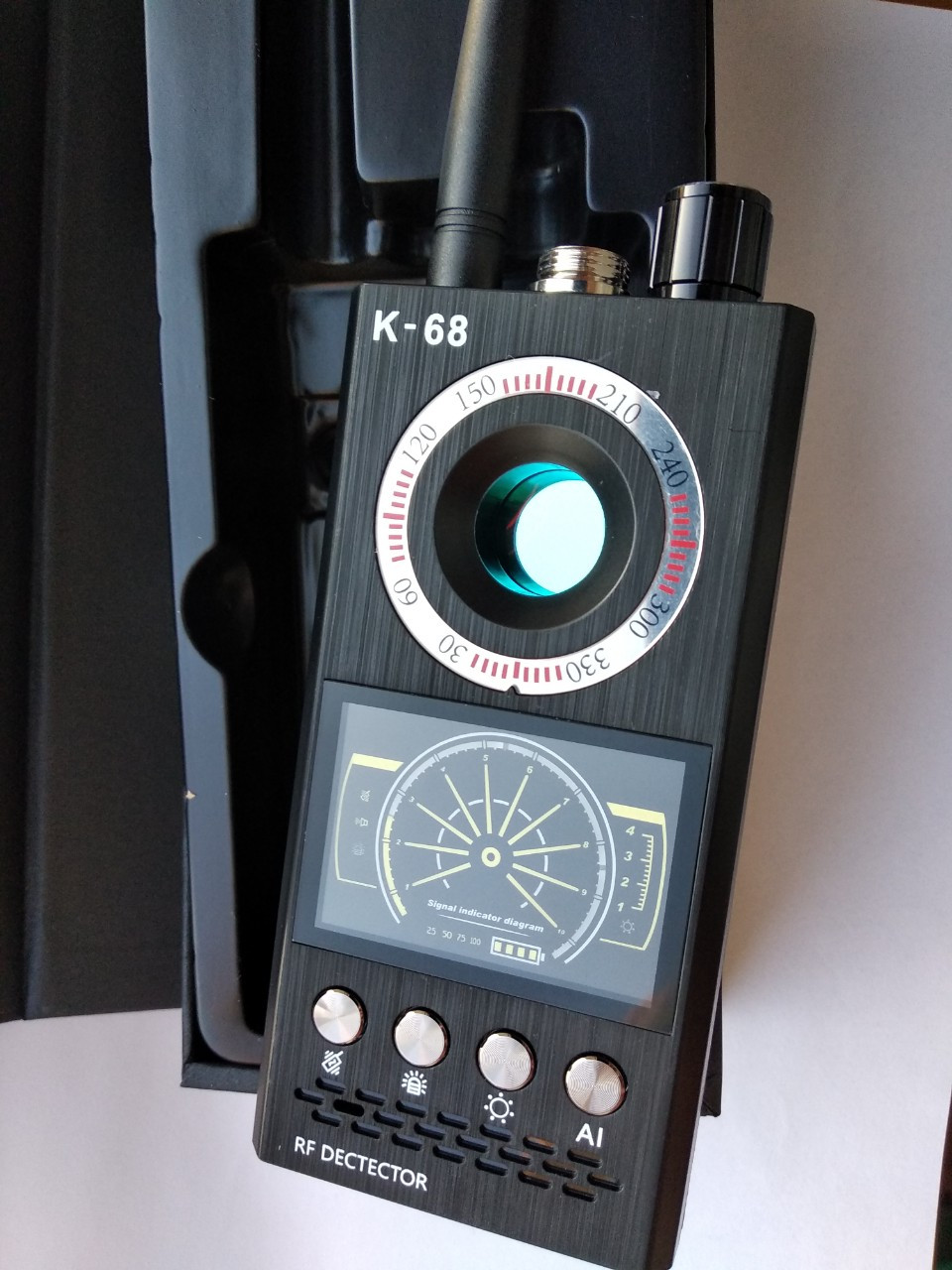 Детектор жучков GPS трекеров и скрытых видеокамер К68 (3 в 1!)