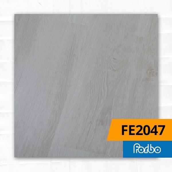 Вінілова плитка Forbo Effekta Дуб Ваніль 2047