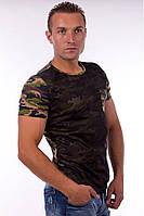 Мужская футболка с защитным рисунком, прилегающего кроя, рукав короткий, перед двуслойный - сетка и основной материал, с накладным карманом на груди,