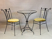 Кованые столы и столовые наборы