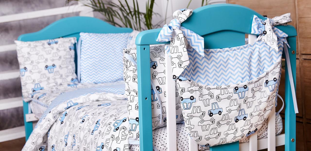 Детское постельное белье из сатина в детскую  кроватку с защитой и карманом (разные цвета) машинки