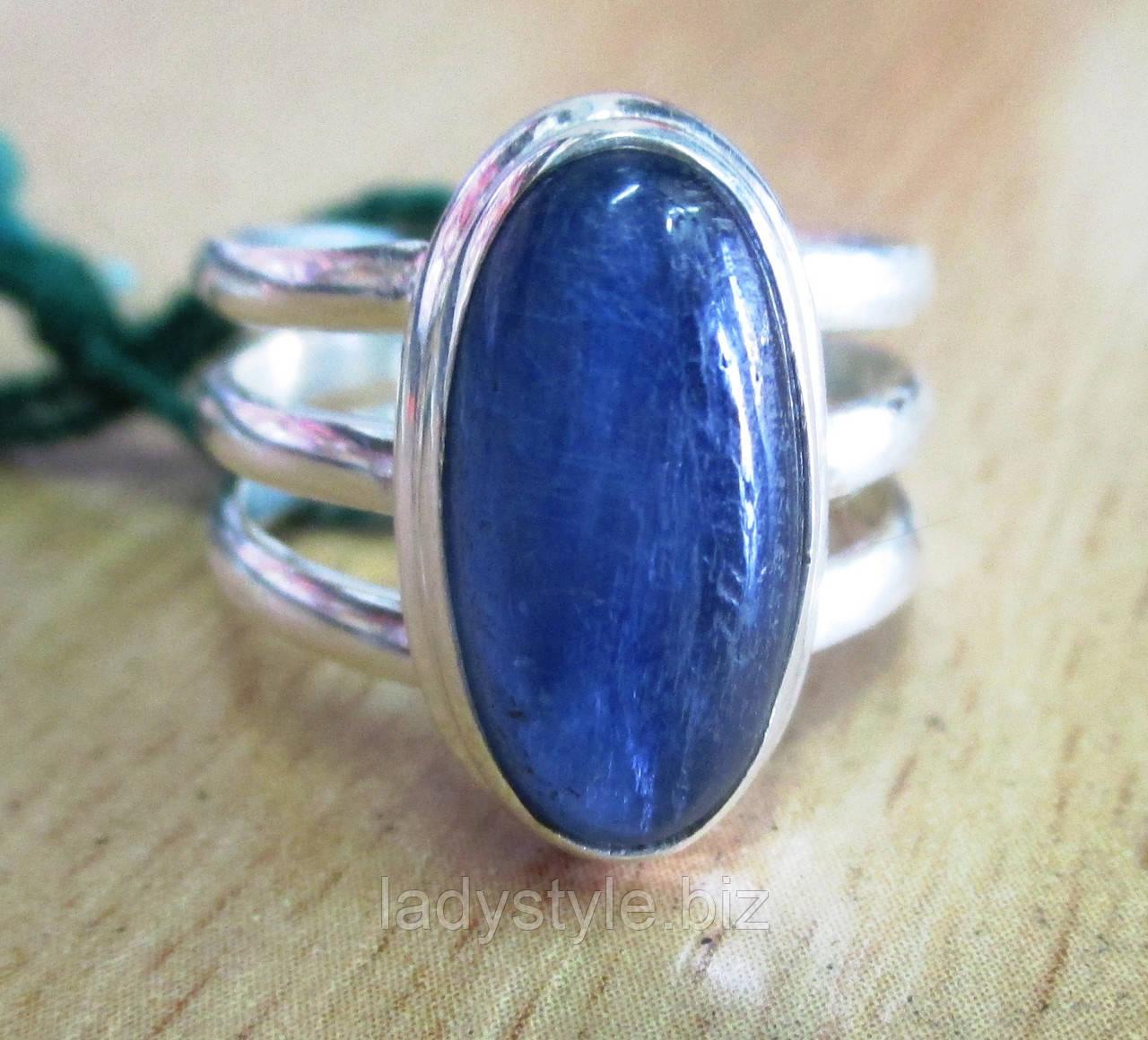 Серебряное кольцо с  кианитом, размер 18