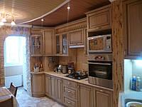 Кухня в сочетании с отделочным камнем