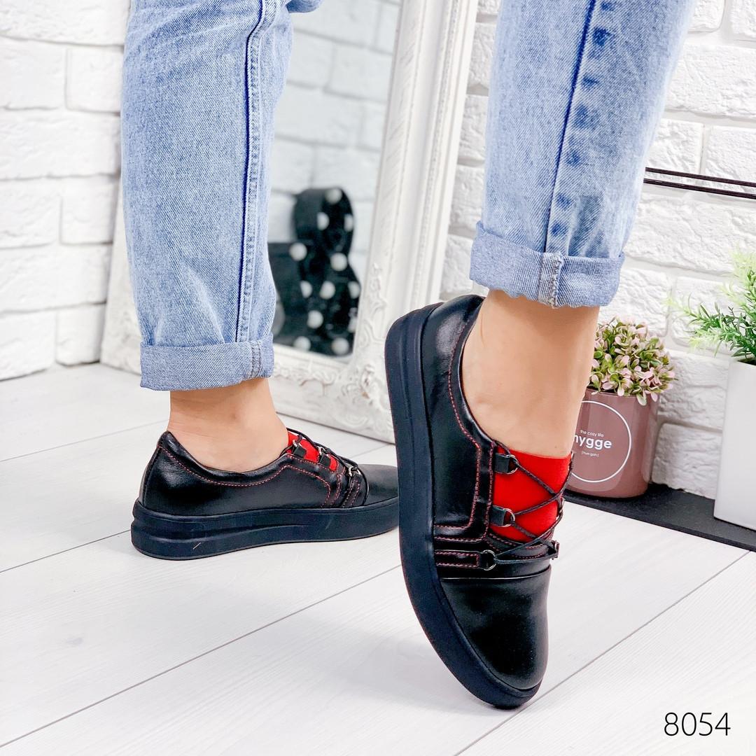 Женские кожаные мокасины туфли на низком ходу черные с красным на узкую ногу